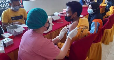 Polres Sumbawa Barat Gelar Vaksinasi Massal, Hasil Capaian Vaksin 1.928 Dosis